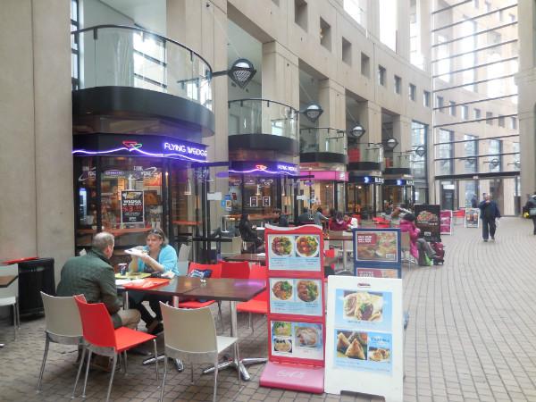 図書館カフェ