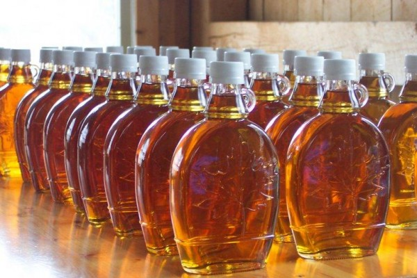 maple-syrup-bottles