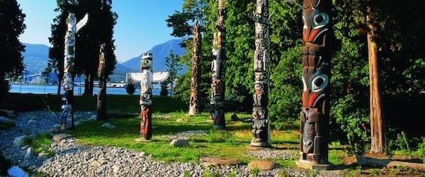 Stanley-Park-Totem-Poles-A-Al-Harvey-e1423599670208
