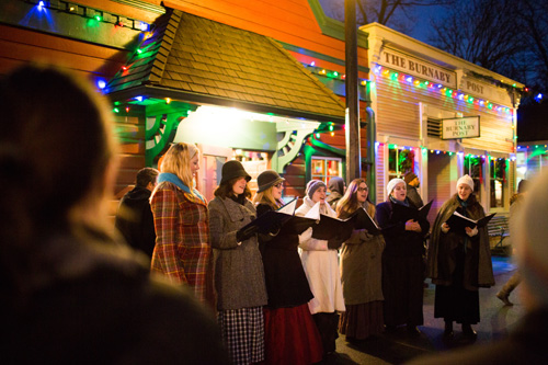carollers-on-hill-street