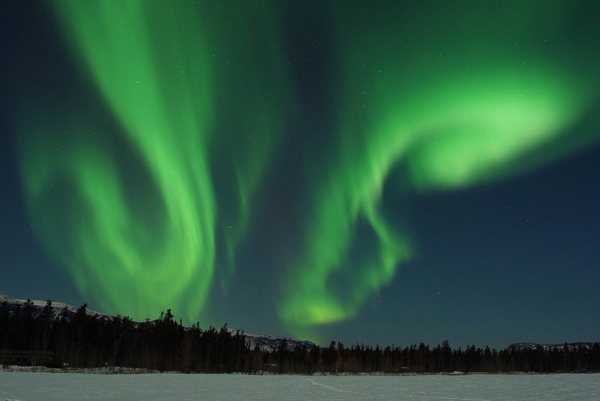 aurora-over-cottages-at-sundog-retreat-r-pat