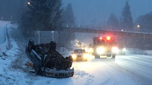 car-accident-snow-west-vancouver-1