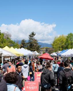 キツラノ・ファーマーズマーケット(Kitsilano Farmers Market) @ Kitsilano Community Centre | Vancouver | British Columbia | カナダ