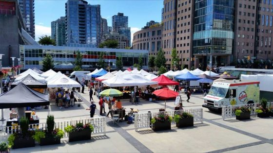 ダウンタウン・ファーマーズマーケット(Downtown Farmers Market) @ Queen Elizabeth Theatre | Vancouver | British Columbia | カナダ