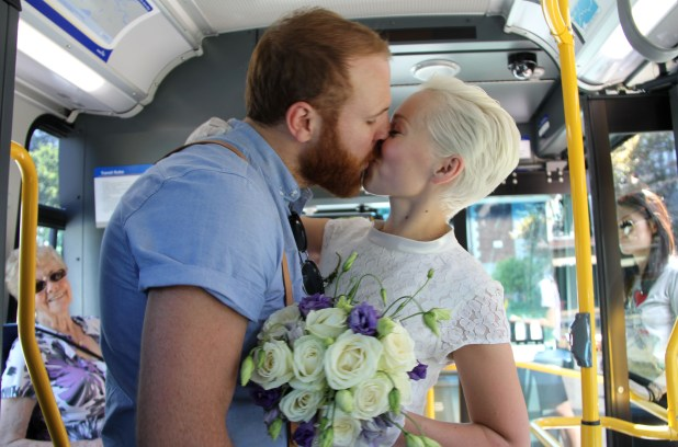 bus-wedding