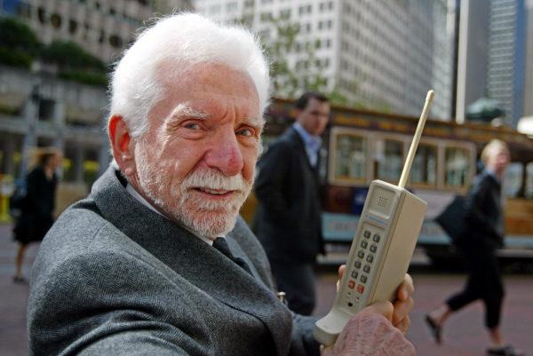 ERFINDER, HANDY, MOBILTELEFON, TELEFON, GESCHAEFTSFUEHRER, ARRAYCOMM, DYNATAC, DYNATAC 8000X, 8000X,