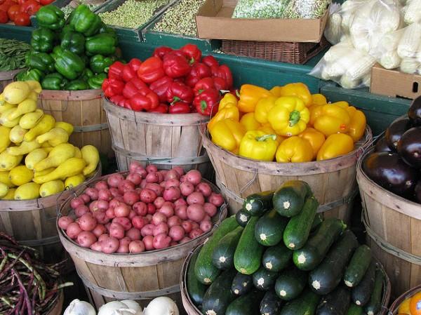 modesto-mall-farmers-market-2012