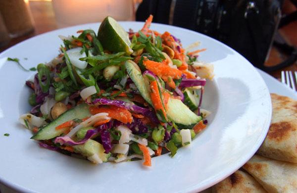 前回食べた「タイ風サラダ」。野菜たっぷり美味しかったです!