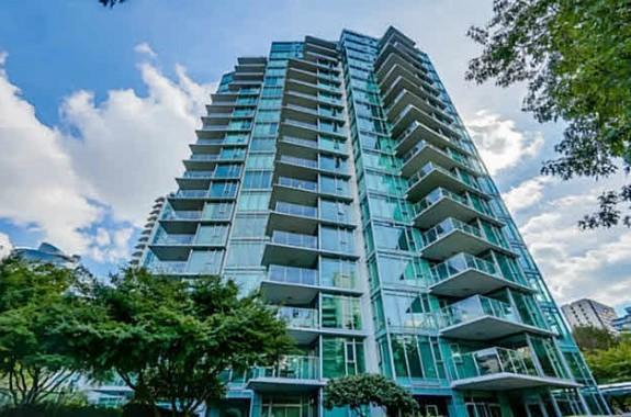 Condominium4