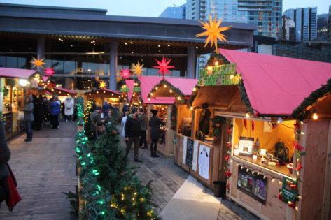 バンクーバークリスマスマーケット(Vancouver Christmas Market) 2021 @ Jack Poole Plaza | Vancouver | British Columbia | カナダ
